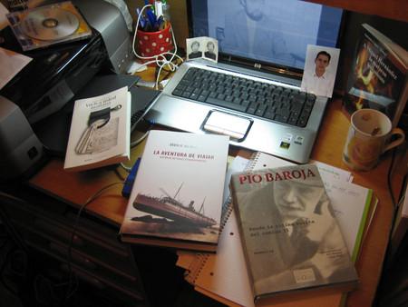 31 de diciembre del 2006, el escritorio de mi habitación