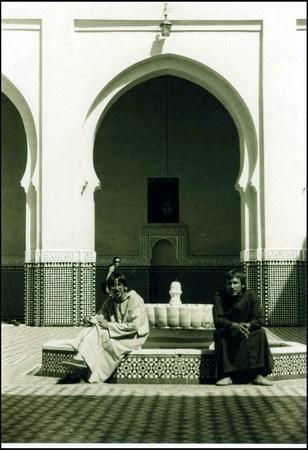 Yo (Grouchoo) izda y Mariano Draghi  drcha en Marruecos, año 2000.