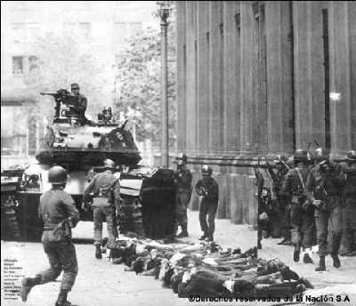 Las calles de Chile el día del levantamiento militar