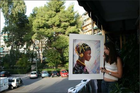 Cris con el cuadro en la terraza de Paque los Nogales, Alcalá de Henares