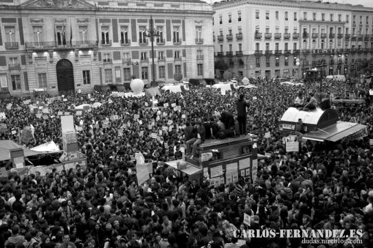 Multitud pidiendo Democracia Real I