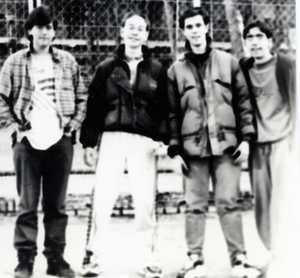 Mis amigos del barrio Angelote, Albertito, Javi Cañones y yo (Carlitos)