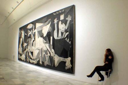 La mirada a la historia V, El Guernica, Picasso, Museo Reina Sofía, Madrid. Spain