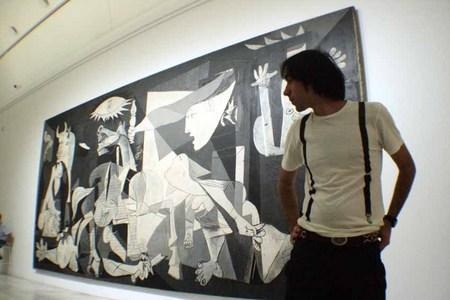 La mirada a la historia, El Guernica, Picasso, Museo Reina Sofía, Madrid. Spain