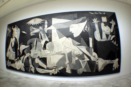 La mirada a la historia VII, El Guernica, Picasso, Museo Reina Sofía, Madrid. Spain