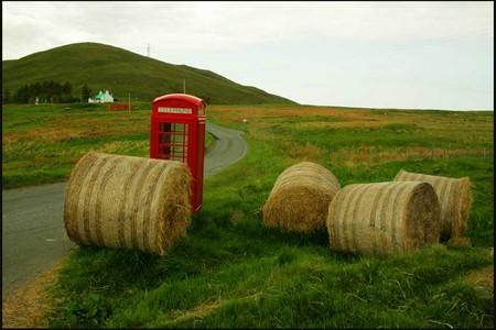 Cábina tefefónica perdida en la Isla de Skye