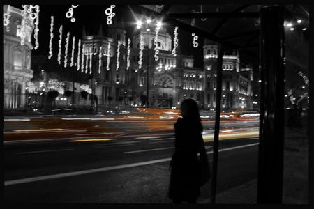 Sombras en un Madrid nocturno