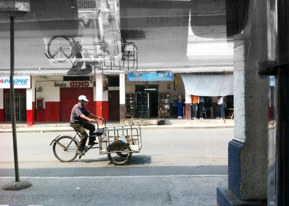 RefFLEJOS  de una calle de JIPIJAPA, TRIciclos II