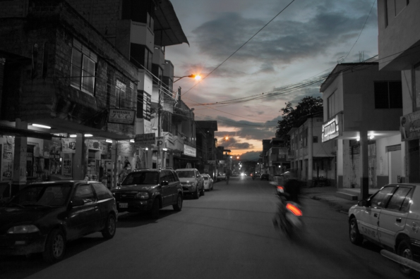 posTAL 6. Calle Bolívar. Parrilladad Edward.  Xipixapa