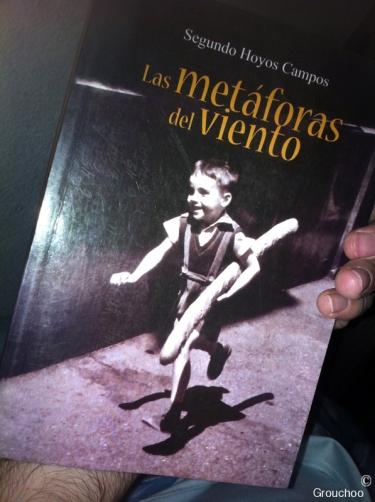 Me lo vendió el mismo autor, me hubiera gustado que me lo hubiera dedicado. Un gran libro para poder entender Latinoamérica, las historias que cuentan son fascinantes, me hubiera gustado haberme reunido de nuevo con el escritor para poder haber conversado sobre su obra y sobre su vida. Me recuerda todo mucho a mi vida aquí en Ecuador.