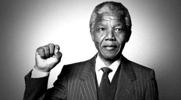 Nelson Mandela, símbolo contra la represión. Foto extraída de Internet.