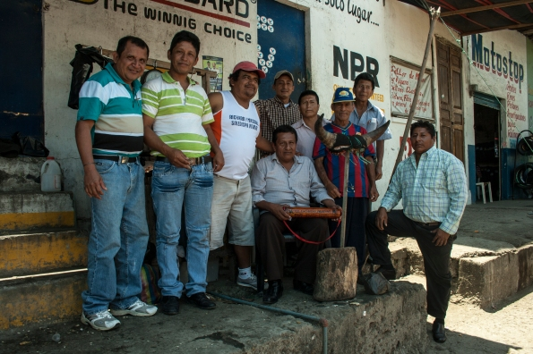 Saludando al gringo por el centro de Jipijapa, año 2013